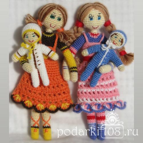 Вязаные куклы Маша и Лида с малышами