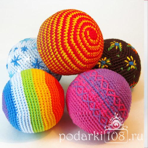 Мячи погремушки вязаные