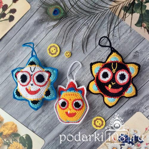 Вязаные игрушки Джанагаттха Баларама Субхадра